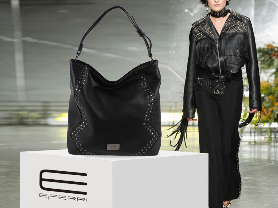 Bolso negro con tachuelas de E.Ferri